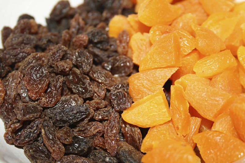 Raisins and apricots
